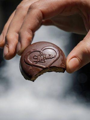 vegan-dark-chocolate-summer-lifestyle-lulus-chocolate-3